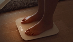 Xiaomi Mi Scale In Use.